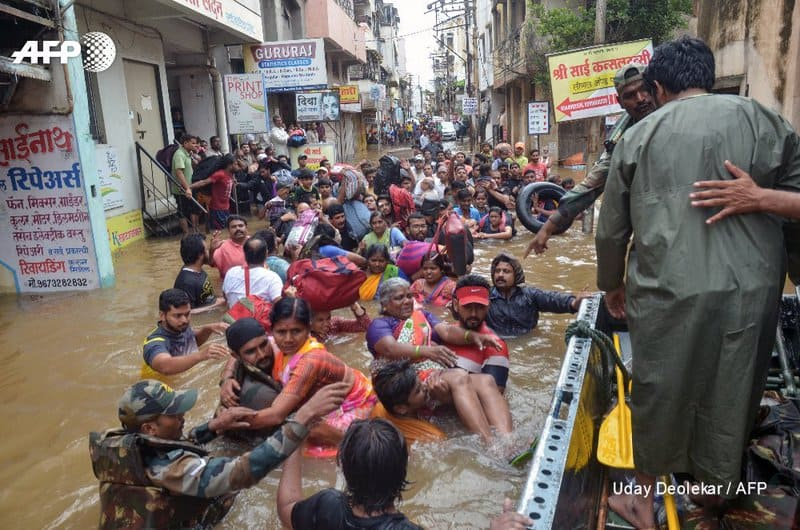 2. Indian Army at Maharastra Floods
