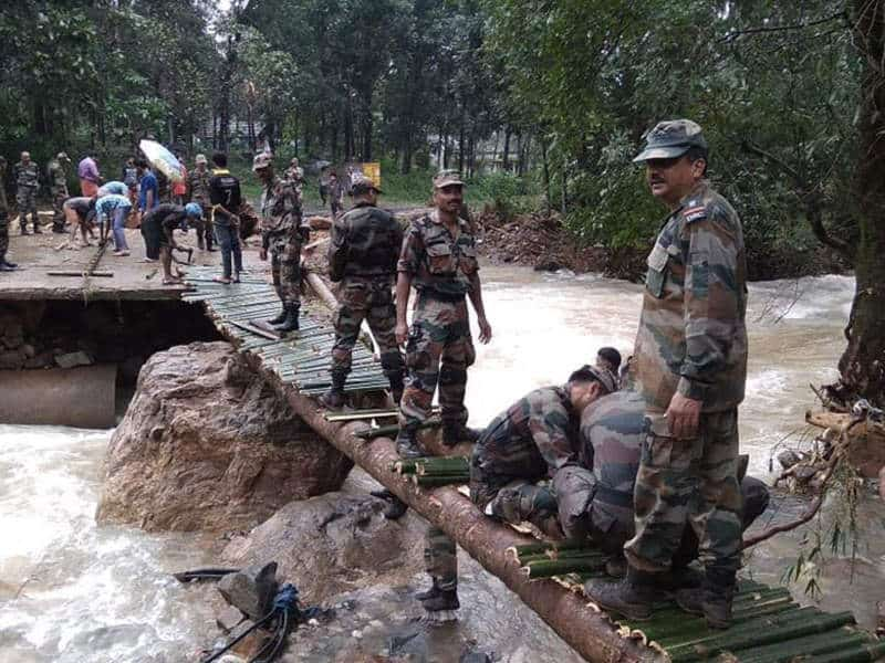 4. Indian Army at Maharastra Floods