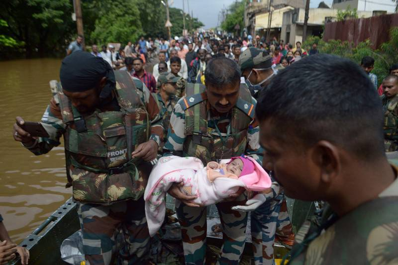 5. Indian Army at Maharastra Floods