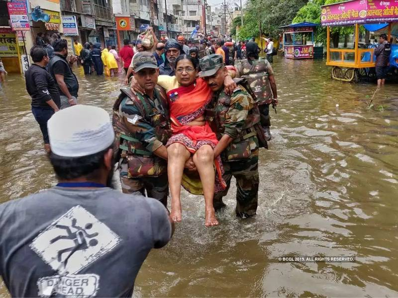 7. Indian Army at Maharastra Floods