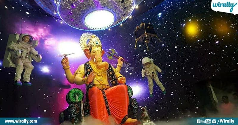 Chandrayaan 2 Ganesh Installed in Mumbai