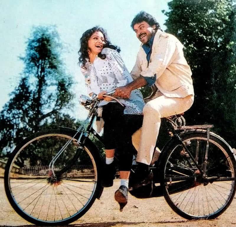 Chiranjeevi And Sridevi On Jagadeka Veerudu Athiloka Sundari Movie Sets