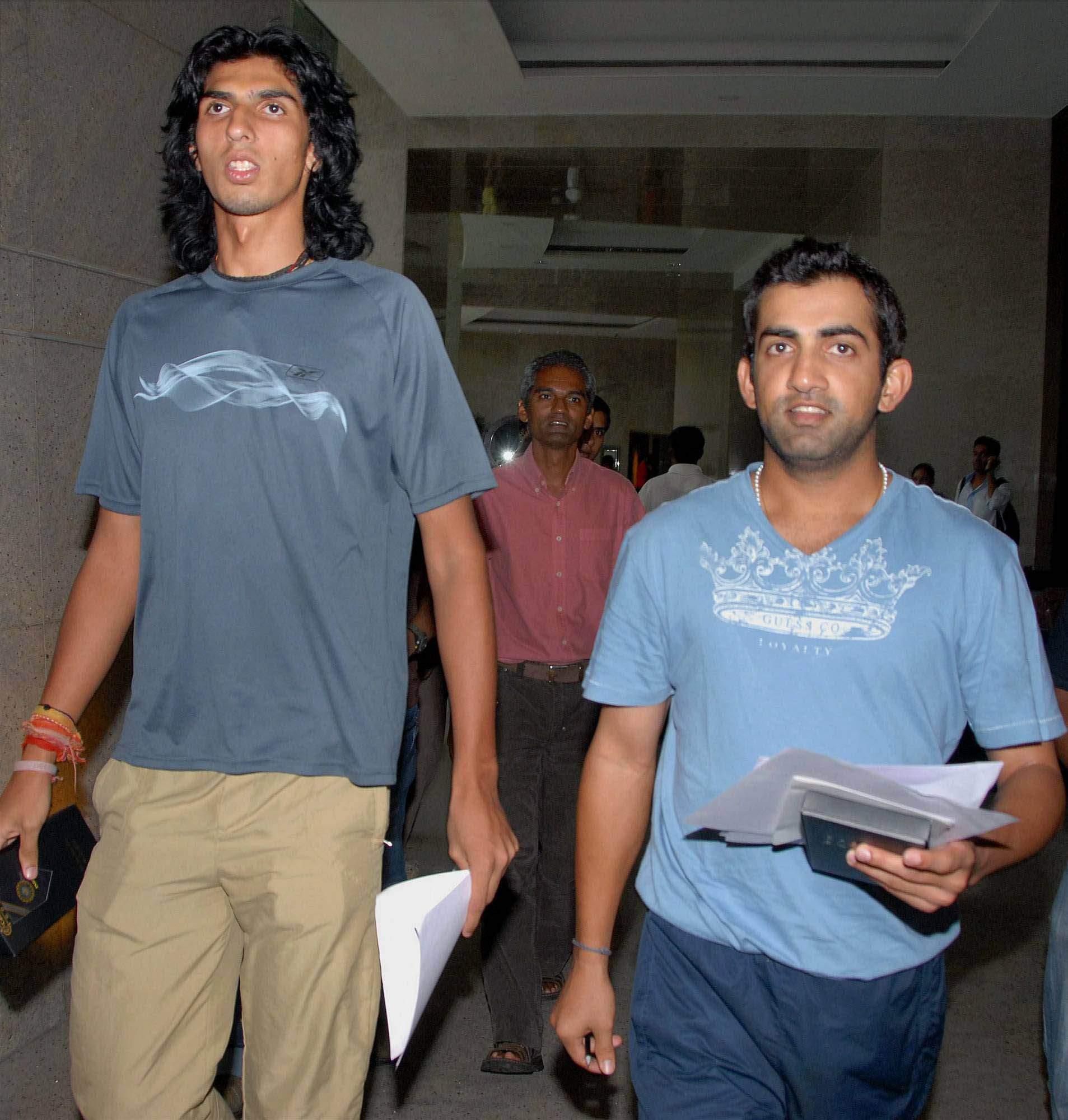 22. A Rare Pic Of Ishanth Sharma And Gautam Gambhir
