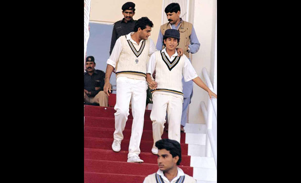 27. Rare Pic Of Sachin Tendulkar With Azharuddin