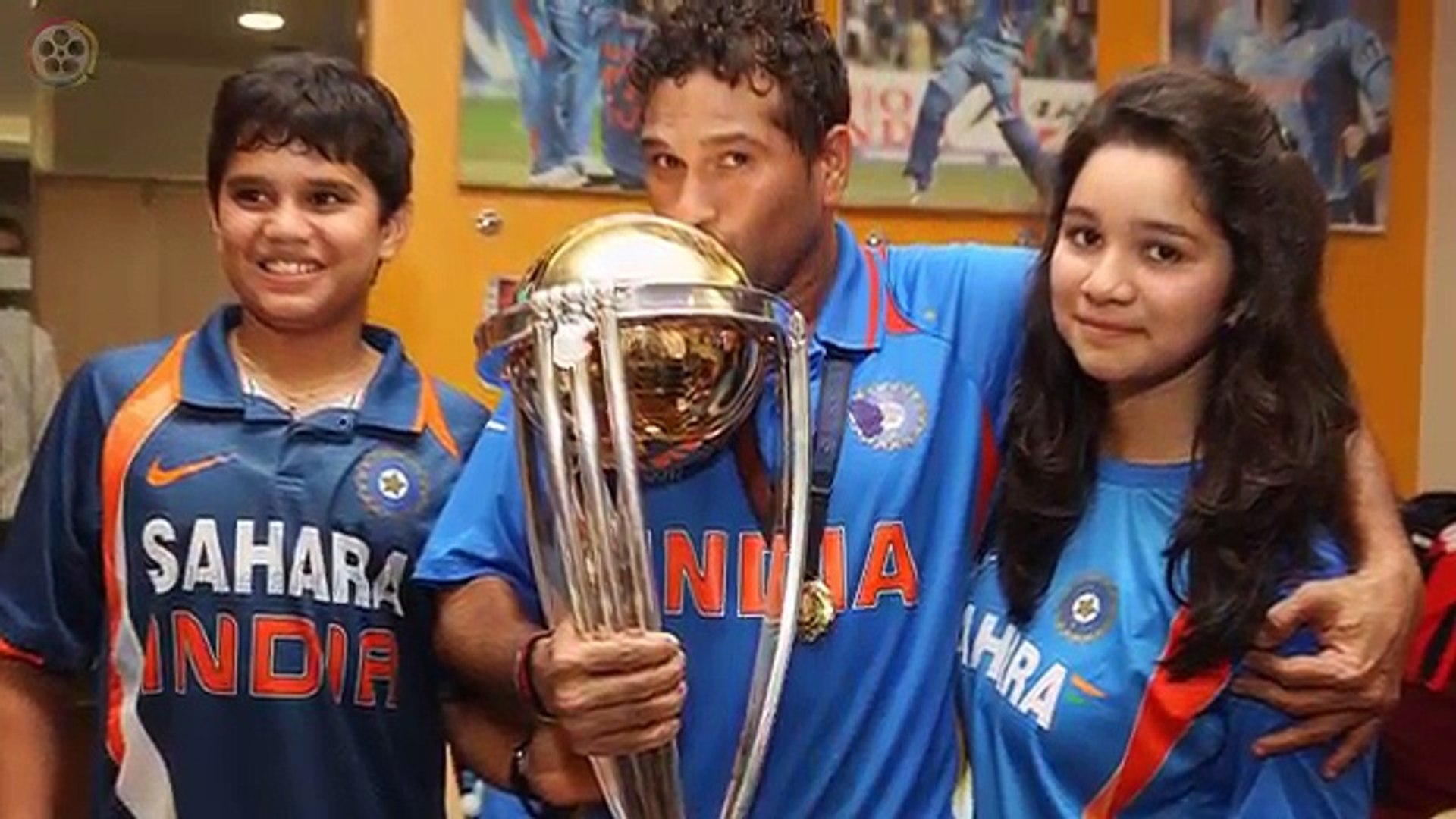 44. Sachin Tendulkar Rare Pic With His Son And Daughter After Winning World Cup In 2011