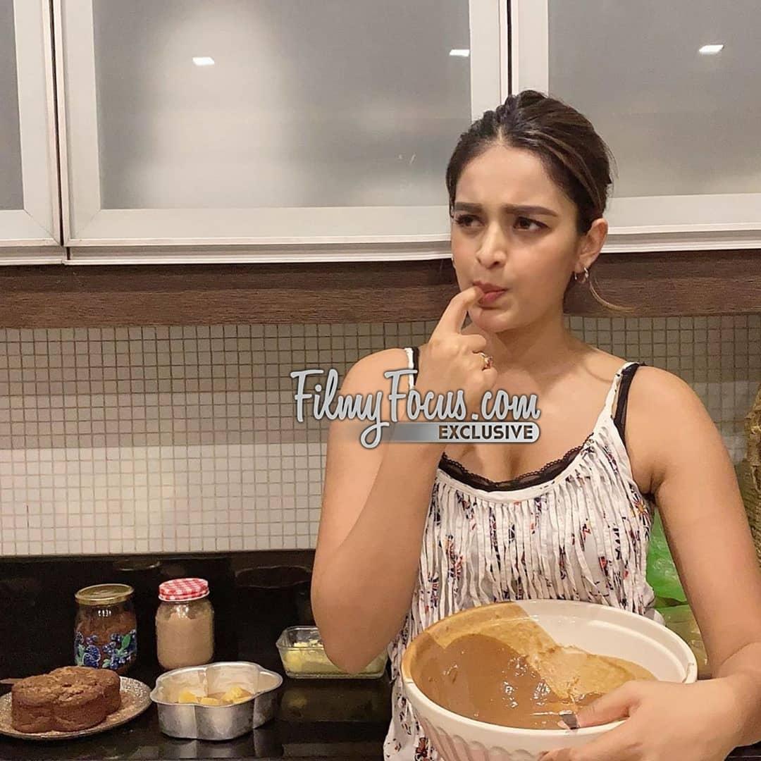 6. Nidhi Agarwal Cooking Time During Quarantine