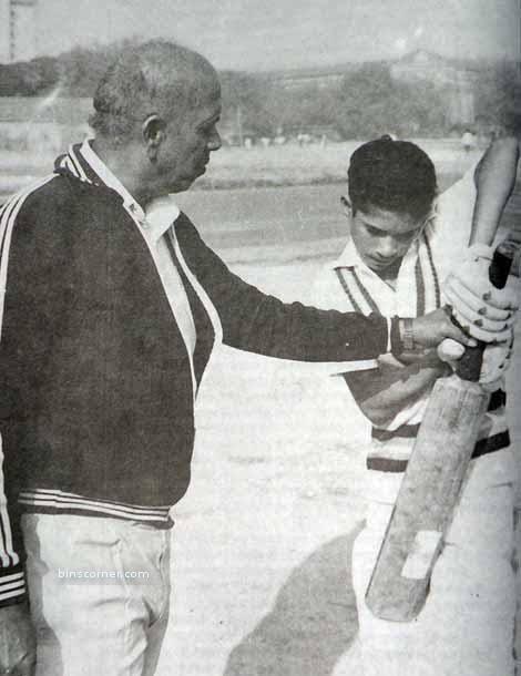 8. Sachin Tendulkar With His Coach Ramakant Achrekar