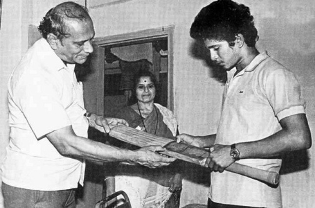 9. Sachin Tendulkar With His Father And Mother