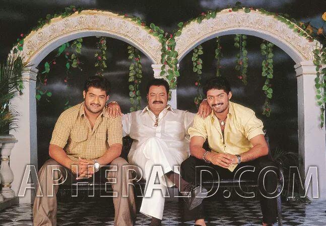 31. Jr. Ntr And Kalyan Ram Rare Pic With Father Hari Krishna