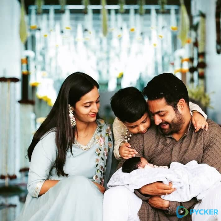52. Jr Ntr Rare Pic With His Two Sons And His Wife