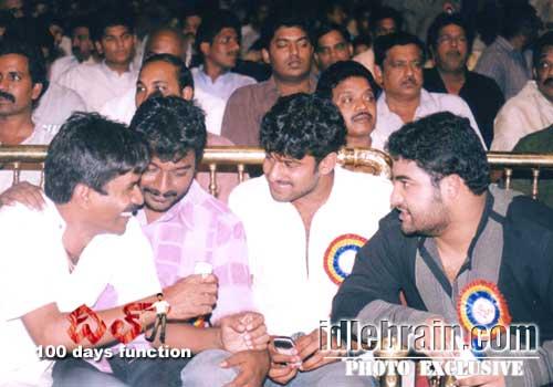 60. Jr Ntr Rare Pic With Vv Vinayak And Prabhas During Dil Movie Success Meet