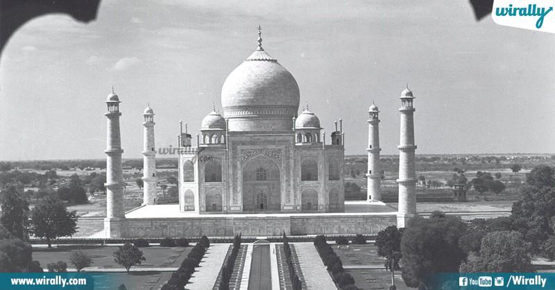 10 Taj Mahal