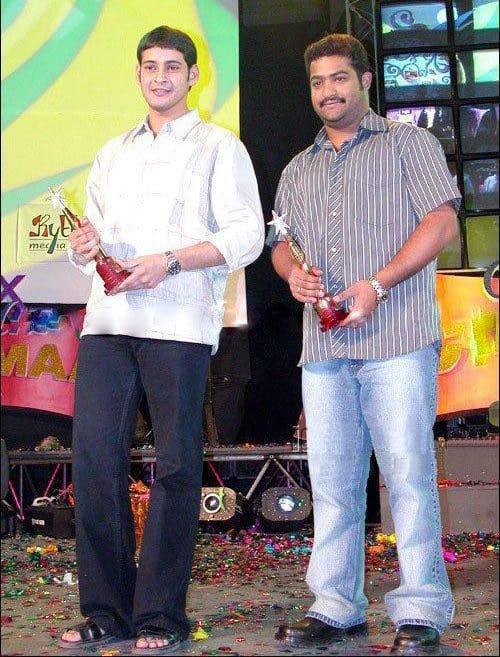 15. Rare Pic Of Mahesh Babu & Jr Ntr From Awards Function