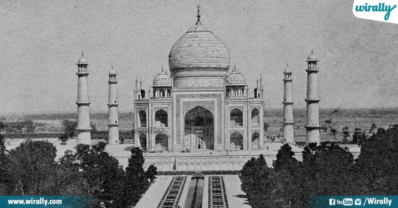 4 Taj Mahal