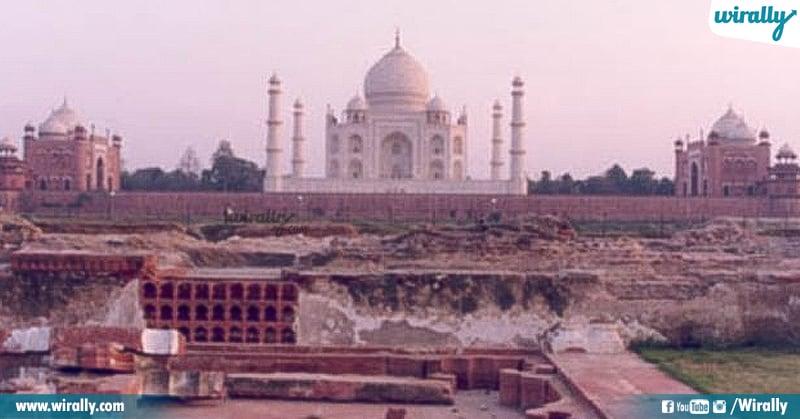 9 Taj Mahal