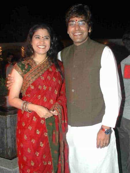 Ashutosh Rana With His Wife Renuka Shahane 3