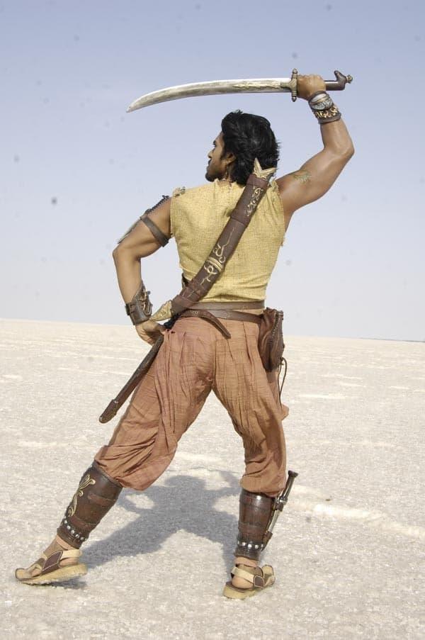 Magadheera Movie Unseen Working Stills (33)