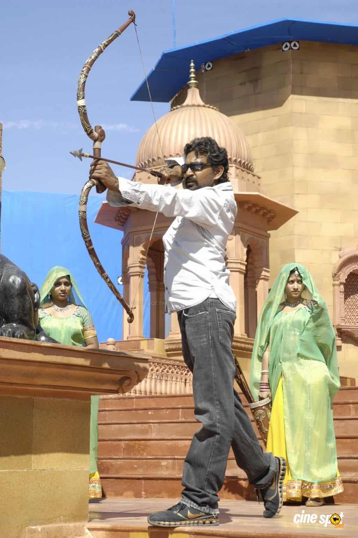 Magadheera Movie Unseen Working Stills (47)
