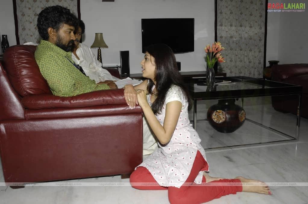 Magadheera Movie Unseen Working Stills (55)