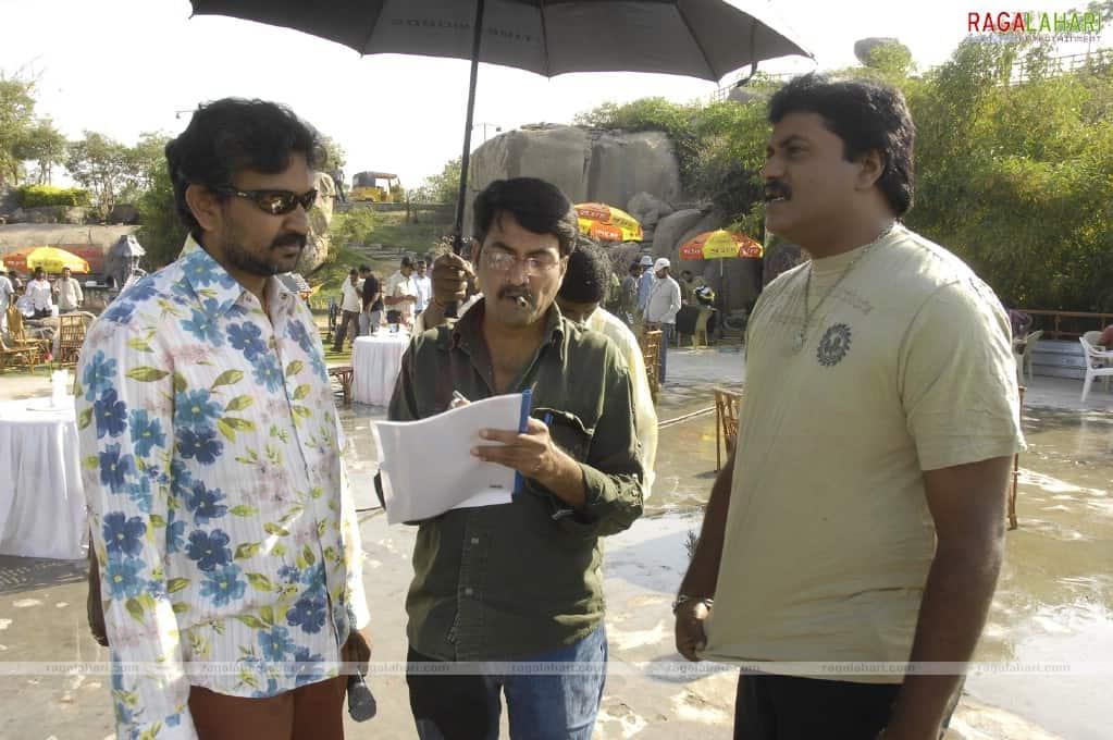 Magadheera Movie Unseen Working Stills (56)