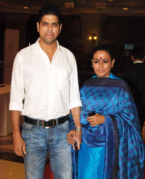 Murali Sharma With His Wife Ashwini Kalsekar 4