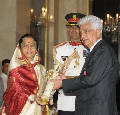 Azimpremji President Pratibha Patil Presents The Padma Vibhushan Award To Azim Premji Imagewncom