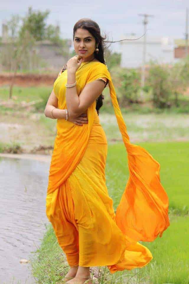 Divi Nagavalli Rare Photos 24